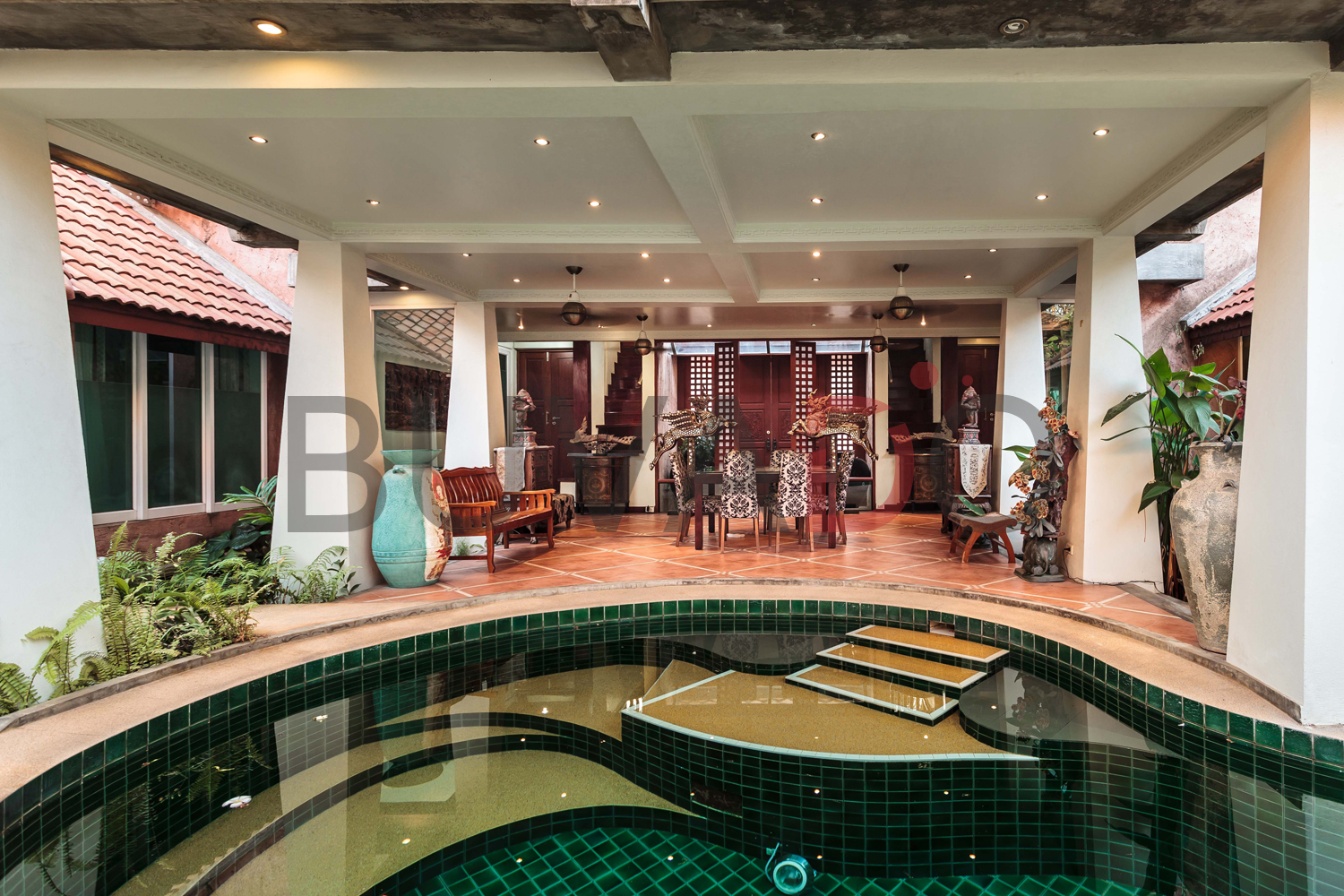 Pattaya 5 Bedroom Luxury Pool Villa | BUVADO